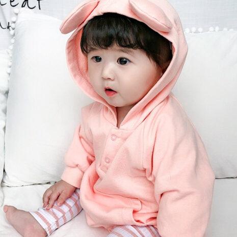 1574067602.31. Bear ears onesie pink model3