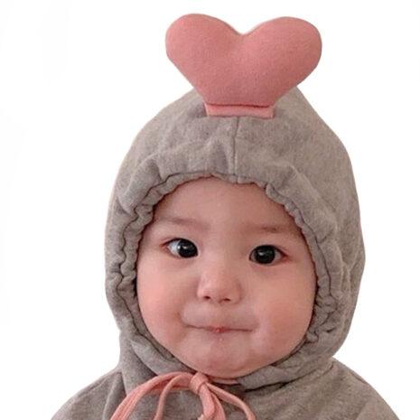 1574073620.36. Heart hoodie model